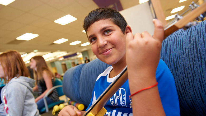 Child Life, Education and Creative Arts Therapy | Children's Hospital of  Philadelphia