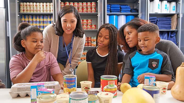 Family at food pharmacy