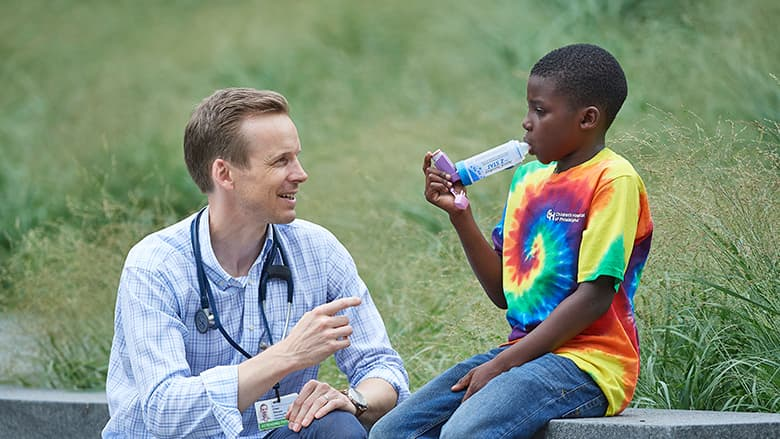 Doctor talking to asthma patient