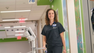 PICU nurse working in hospital