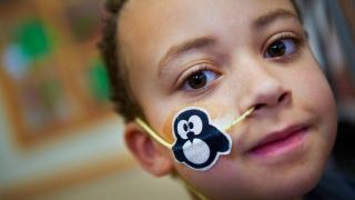 child with feeding tube