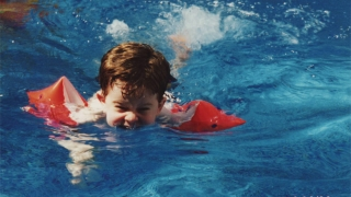 younger kendall swimming