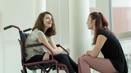 Sisters Angelina and Samantha
